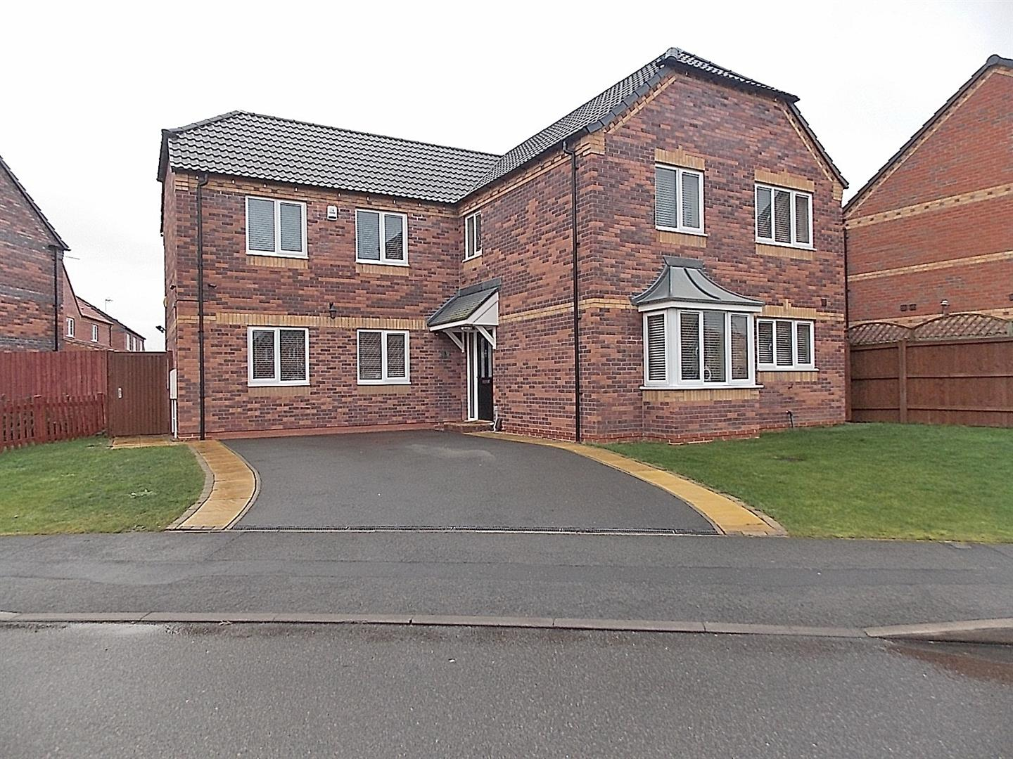 5 Bedrooms Detached House for sale in Dunn Drive, Long Eaton